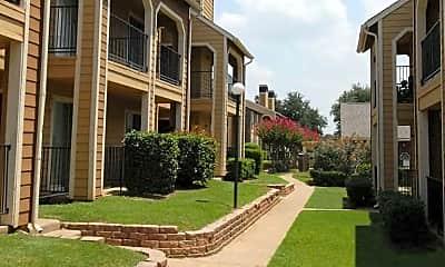 Courtyard, Hunt Club, 1