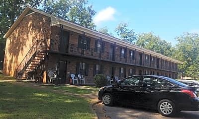 Woodlawn Manor, 0