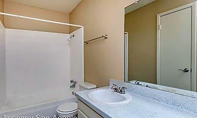 Bathroom, 1815 S Fillmore St, 2
