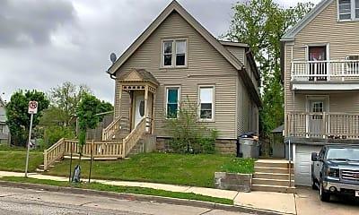 Building, 2305 W Burnham St, 1