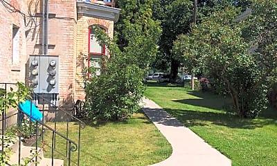 Patio / Deck, 319 E Pine St, 2