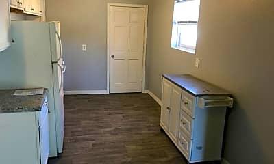 Kitchen, 909 1st St, 2