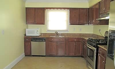 Kitchen, 4400 Colonial Ave, 1