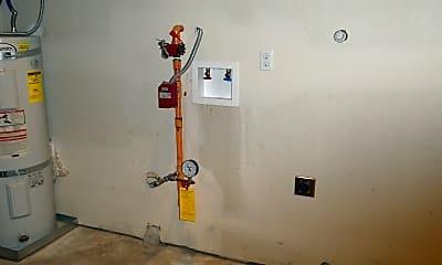 washer/dryer hook-up in garage, 215 S. Church Street, 2