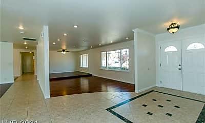 Living Room, 3645 Forestcrest Dr, 1