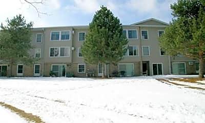 Country Inn Apartments, 1