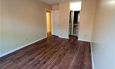 Living Room, 71-09 Park Ave, 2