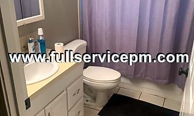 Bathroom, 1926 4th St, 2