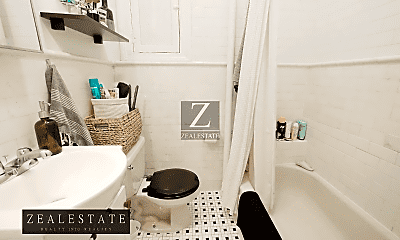 Bathroom, 137 6th Ave, 2
