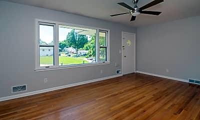 Living Room, 4424 Spring St, 1