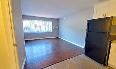 Living Room, 4315 Burns Ave., 1