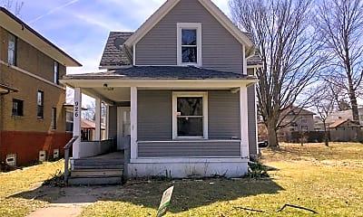 Building, 926 E Bowman St, 0