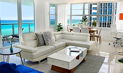 Living Room, 5101 Collins Ave H, 0