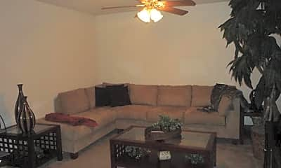 Living Room, 4525 Marlboro Dr, 1