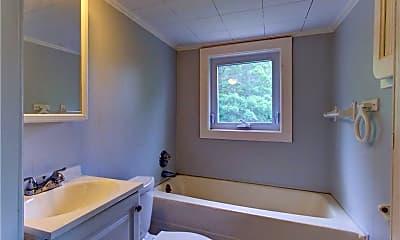 Bathroom, 7507 Greenlawn Dr, 2