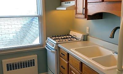 Kitchen, 1115 Edgewater Ave, 2