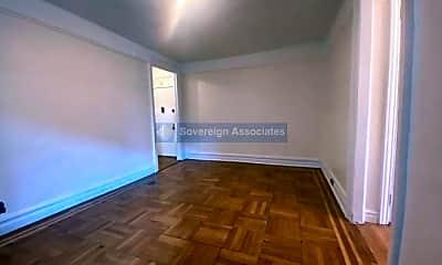 Bedroom, 400 Fort Washington Ave, 2