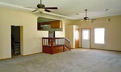 Living Room, 1115 Darbie Ln, 1