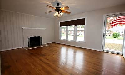 Living Room, 109 Dilts Dr, 1