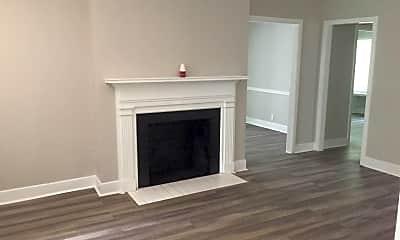 Living Room, 2112 Lester Ln, 1