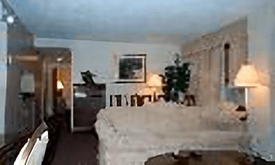 Living Room, 123 Sewall Ave, 1