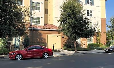 Epic Apartments, 2