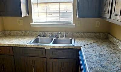 Kitchen, 3100 Lincoln Dr, 1