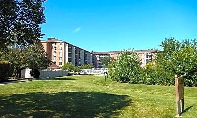 Building, 12 Oaks at Schaumburg, 2