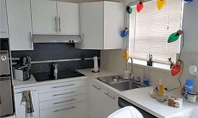 Kitchen, 7510 SW 152nd Ave, 1