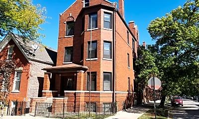 Building, 2101 N Leavitt St 1, 0