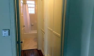 Bathroom, 3271/4 S Detroit St, 2