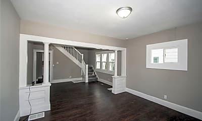 Living Room, 4118 E Washington St, 1