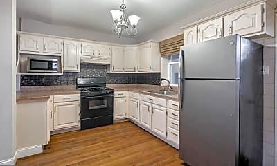 Kitchen, 1202 S Alder St, 0