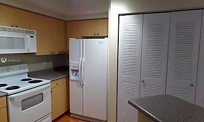 Kitchen, 1919 Van Buren St 302A, 1