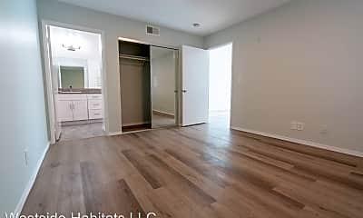 Living Room, 314 S Manhattan Pl, 0