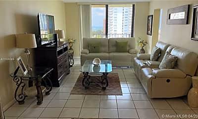 Living Room, 290 174th St 1612, 1