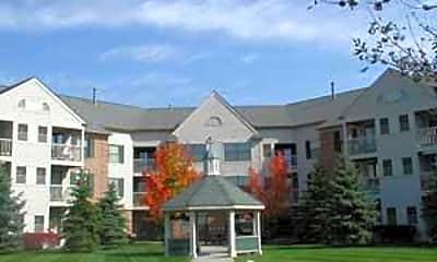 Oakmont Manor, 0