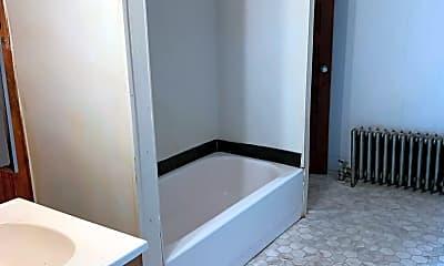 Bathroom, 2107 Park Ave, 2
