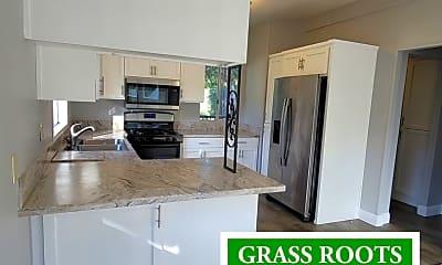 Kitchen, 10862 Lime Kiln Rd, 1