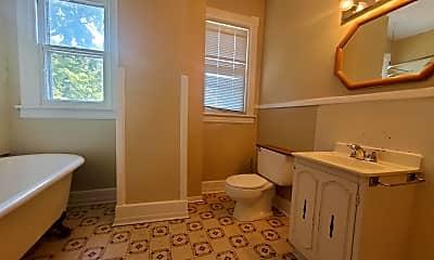 Bathroom, 1220 S 20th St, 2
