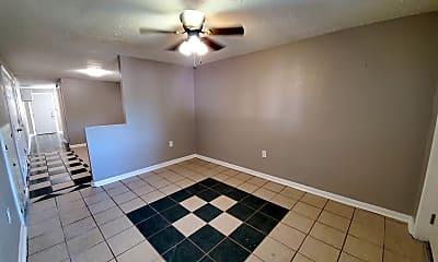 Bedroom, 728 N Broadway, 1