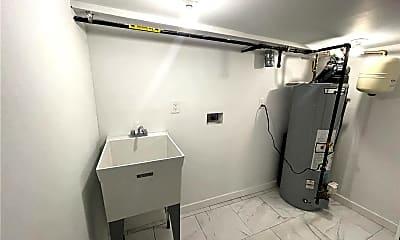 Bathroom, 7 Allen Ln, 2