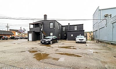 Building, 14222 Lorain Rd, 1