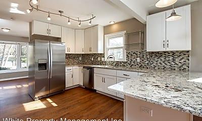 Kitchen, 11122 5 Cedars Rd, 1