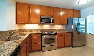 Kitchen, 913 Lake Shore Dr, 2