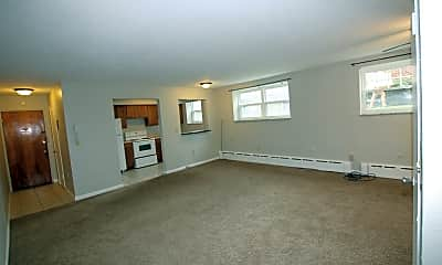 Living Room, 273 S Winebiddle St, 1
