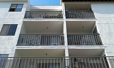 Park Midrise Luxury Apartments, 2