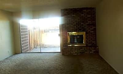 Living Room, 3293 Gypsum Rd, 1