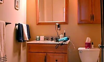 Bathroom, 5850 Centre Ave, 2
