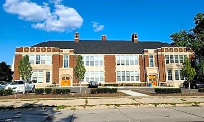 Building, 550 N Holbrook St, 0
